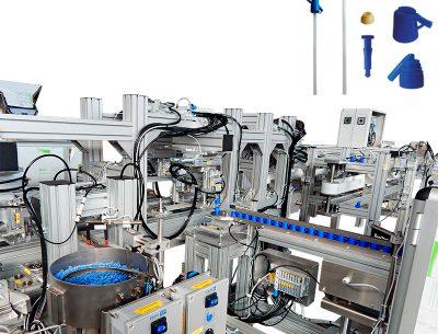 Impianto-di-assemblaggio-per-la-produzione-di-'spruzzini%u2019-per-bottiglie-1