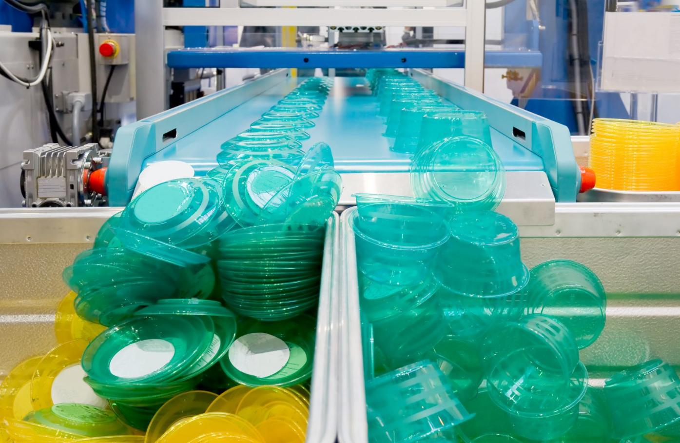 biznes-ideya-proizvodstva-izdeliy-iz-plastika